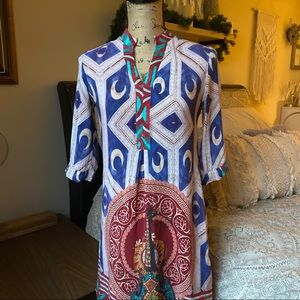 Dresses & Skirts - Vibrant Boho Printed Shift Dress Size
